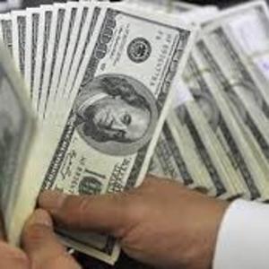 Деньги на кредиты,  долги,  кредит под проценты в 2% случаев